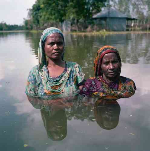 Lipa et Zeyda, village de Kamalpur, Sariakandi Upazila, District de Bogra, Bangladesh, septembre 2015.