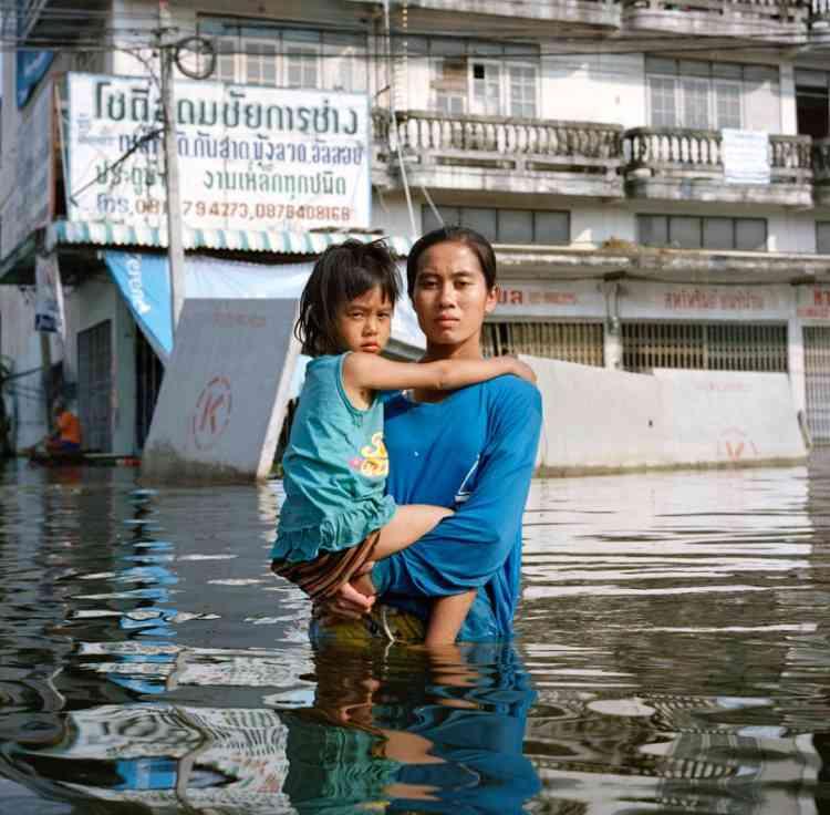 Anchalee Koyamaet sa fille, district de Taweewattana, Bangkok, Thaïlande, novembre 2011.