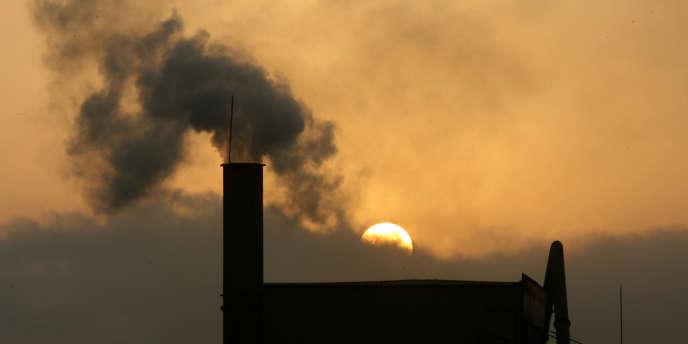 Combien de CO2 pouvez-vous contribuer à émettre dans l'atmosphère ? C'est ce que nous vous proposons de découvrir. Reuters/Kham