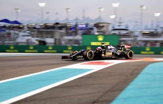 La Lotus du Français Romain Grosjean, lors du Grand Prix d'Abou Dhabi, le29novembre.