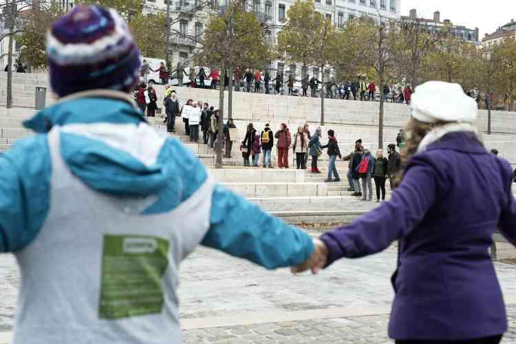 Chaîne humaine pour le climat à Lyon, le 29 novembre.