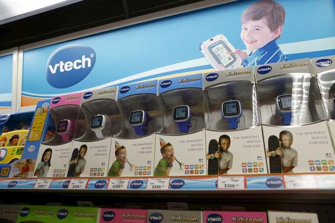 Des montres Vtech dans un magasin de Hongkong.