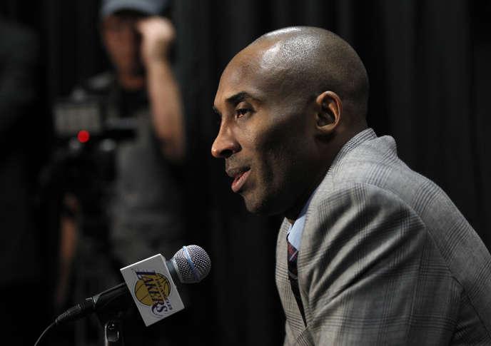 Kobe Bryant officialise sa retraite pour la fin de la saison de NBA, le 29 novembre.