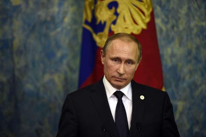 Le président Poutine, au Bourget (Seine-Saint-Denis), le 30 novembre.
