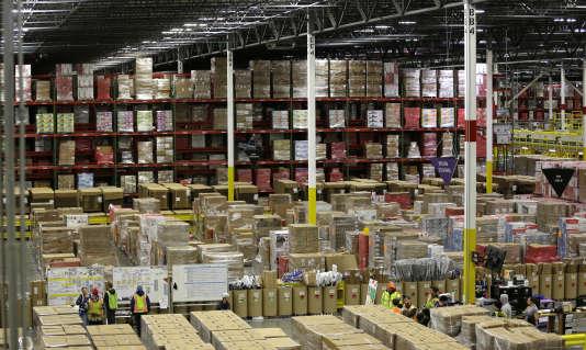 Amazon avait annoncé, le 9septembre, la création de 1000 emplois en CDI en2016. Cinq cent cinquante ont déjà créés depuis janvier dans ses quatre centres de distribution en France.