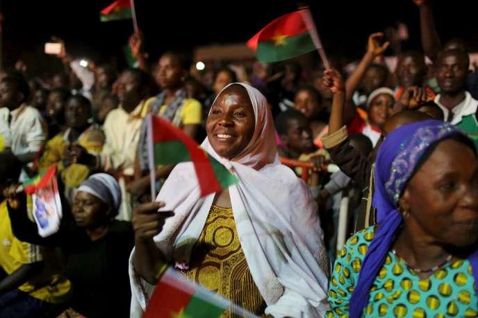 Roch Marc Kaboré a remporté l'élection présidentielle au Burkina Faso avec 53,49 % des voix au premier tour organisé dimanche 29 novembre.