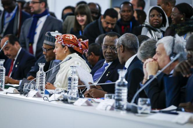 François Hollande et une douzaine de chefs d'état africains participent au «Sommet défi climatique et solutions africaines» dans le cadre de la Cop21 à Paris-Le Bourget. Mardi 1er décembre 2015 - 2015©Jean-Claude Coutausse / french-politics pour Le Monde