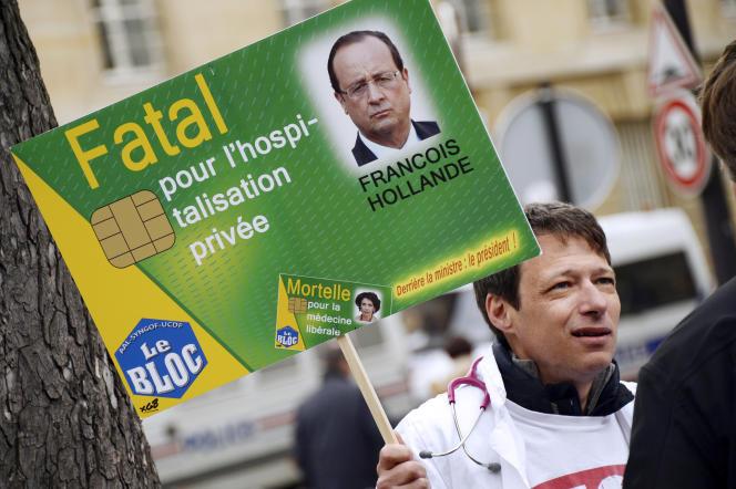 Manifestation contre le projet de loi visant à une généralisation du tiers-payant le 31 mars 2015 à Paris.