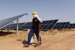 La centrale solaire en construction Roha Dyechem àBhadla, dans l'Etat duRajasthan s'inscrit dans la volonté du gouvernement indien de développer les énergies propres.