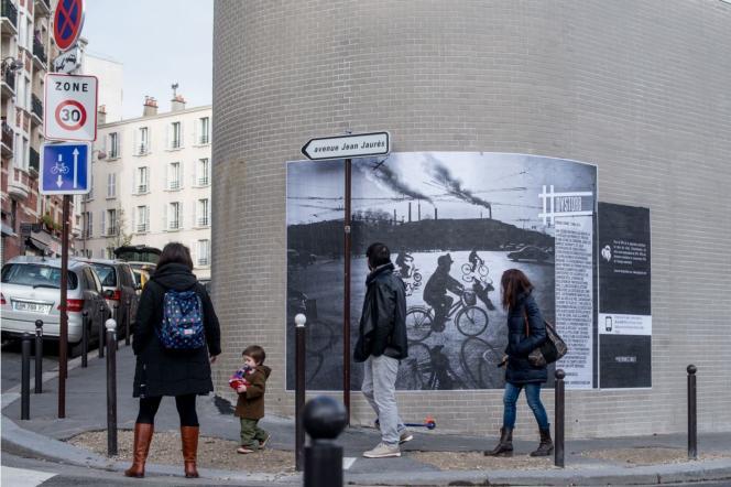 L'une des photographies exposées par Dysturb dans une rue de Paris.