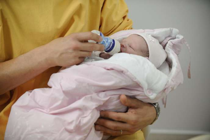 Les salariées bénéficient actuellement de cent douze jours de congé maternité, quand les affiliées au régime social des indépendants (RSI) peuvent prendre jusqu'à soixante-quatorze jours.