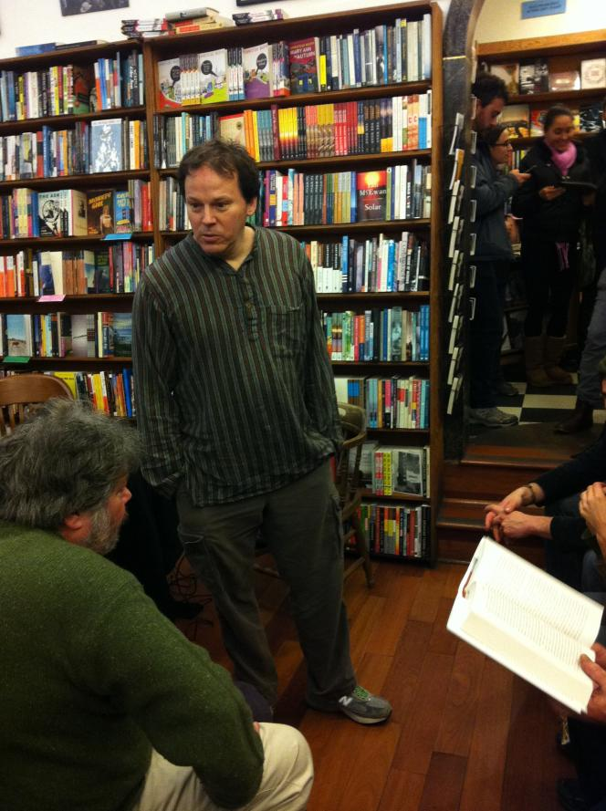 David Graeber à la librairie City Lights, San Francisco, en 2012.