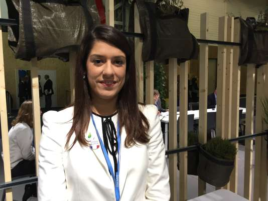 Caroline Falcao, 25 ans, agent de liaison de la délégation brésilienne à la COP21.