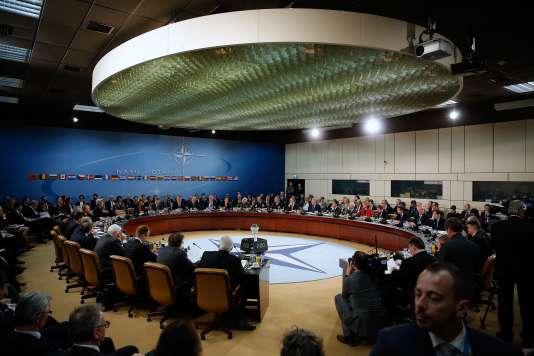 Réunion des ministes des affaires étrangères des pays membres de l'OTAN, à Bruxelles, en 2015.