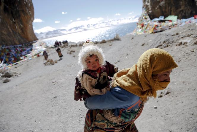 Une femme tibétaine, 18 novembre 2015.   THE DAY