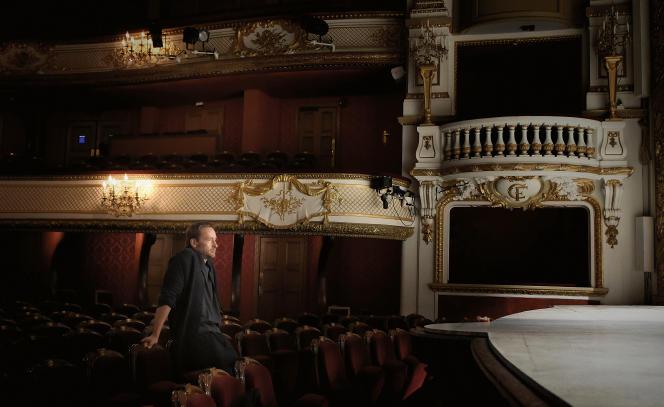 """Eric Ruf à la Comédie-Française, salle Richelieu, le 6 novembre 2015, lors des répétitions de """"Roméo et Juliette""""."""