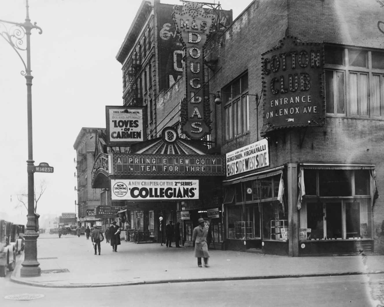 The Cotton Club, 142nd Street y Lenox Avenue en Harlem, Nueva York, alrededor de 1927.