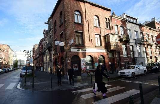 """Le bar """"Les Béguines"""", tenu par les frères Abdeslam à Molenbeek (Belgique), était fréquenté par Ali O."""