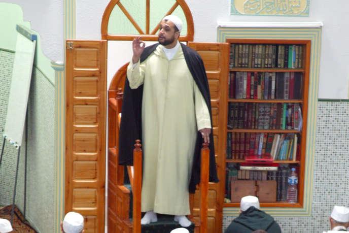 L'actuel imam de Montpellier, Mohamed Khattabi, en avril 2003 à la mosquée de Nîmes.