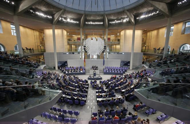 Le Bundestag à Berlin le 2 décembre 2015 lors d'un débat sur la campagne contre l'organisation État Islamique.