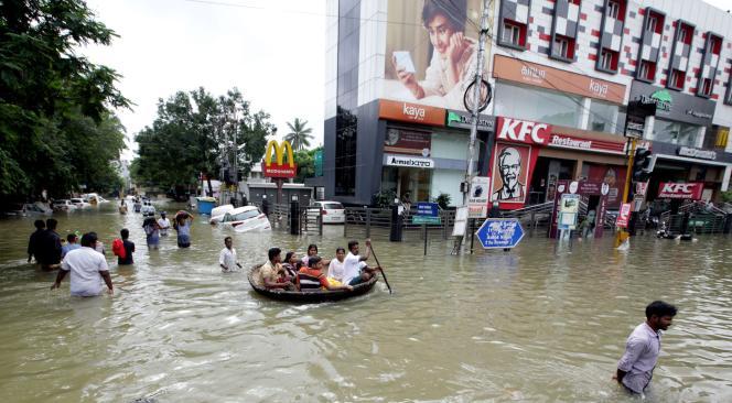 Une rue inondée à Madras le 3 décembre 2015.