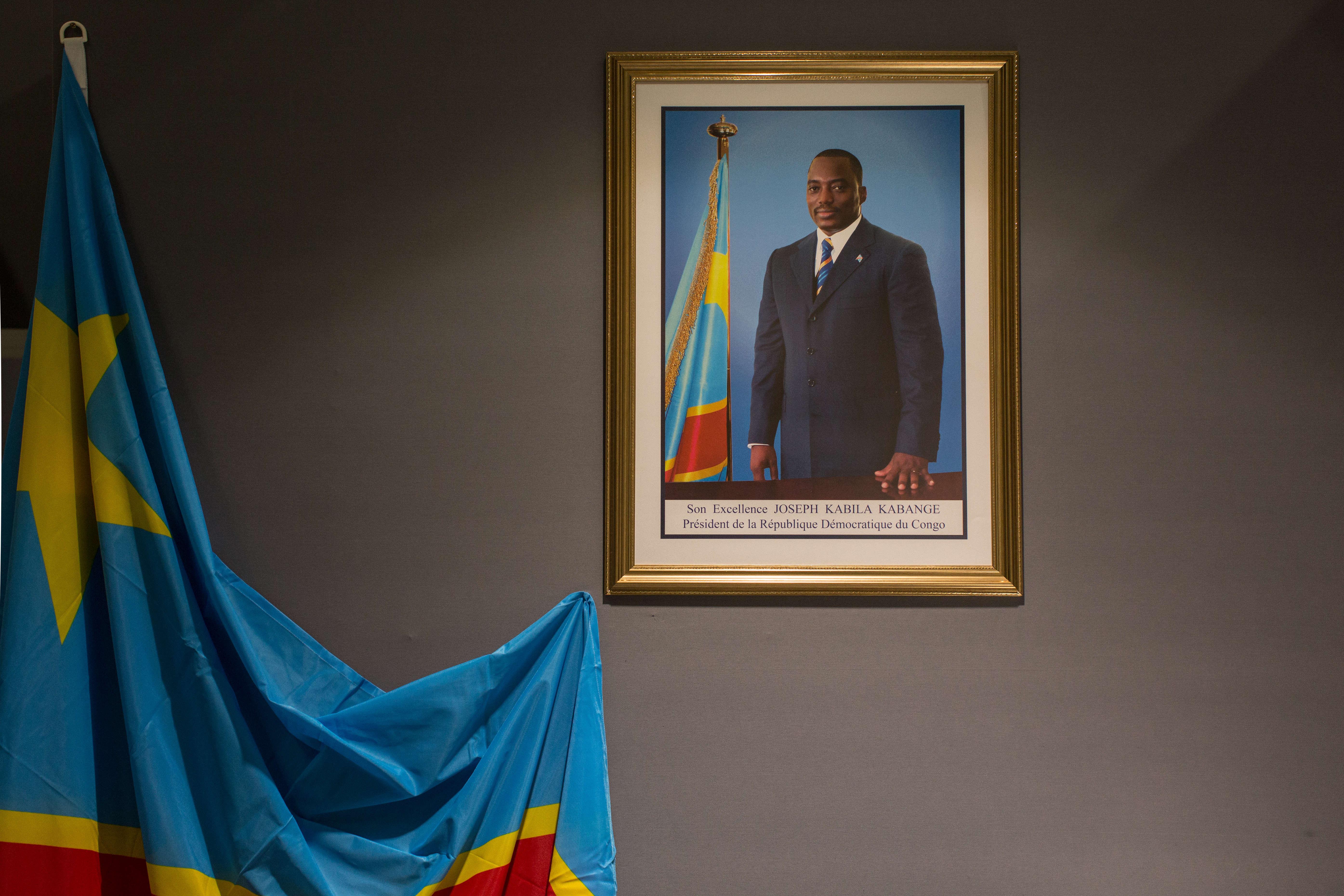 Le portrait officiel du président Joseph Kabila Kabange sur le mur du stand de la République démocratique du Congo.