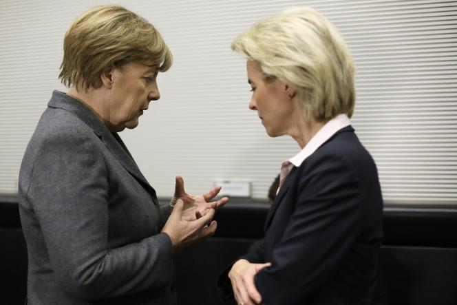 «En matière de politique européenne, Berlin peut se réjouir de la nomination d'Ursula von der Leyen à la tête de la Commission européenne, très proche d'Angela Merkel et authentiquement européenne. » (Photo: Angela Merkel et Ursula von der Leyen en2015.)