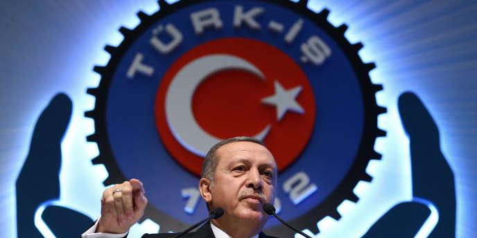Le président islamo-conservateur turc Recep Tayyip Erdogan a déjà assuré samedi que la Turquie allait trouver d'autres fournisseurs d'énergie que la Russie.