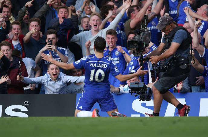 Eden Hazard (Chelsea) célèbre le but d'ouverture du match Chelsea - Manchester United le 18 avril 2015.