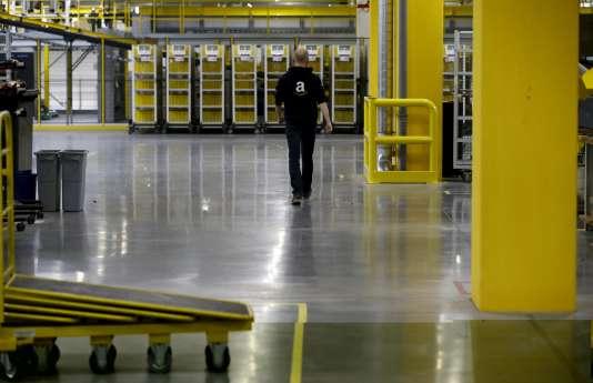 Le géant américain de la vente en ligne emploie 10 000 personnes dans ses centres allemands, son deuxième marché après les Etats-Unis, et plus de 10 000 travailleurs saisonniers.