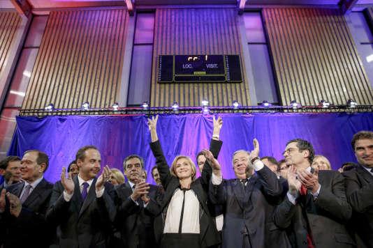 Meeting de Valérie Pécresse candidate Les Républicains en Ile-de-France, entourée de Gérard Larcher et Frnçois Fillon, à Rueil-Malmaison (Hauts-de-Seine), jeudi 3 novembre.