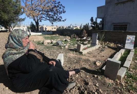 La grand-mère d'Ali Dawabsha, 18 mois, tué le 31 juillet dans un incendie criminel en Cisjordanie.