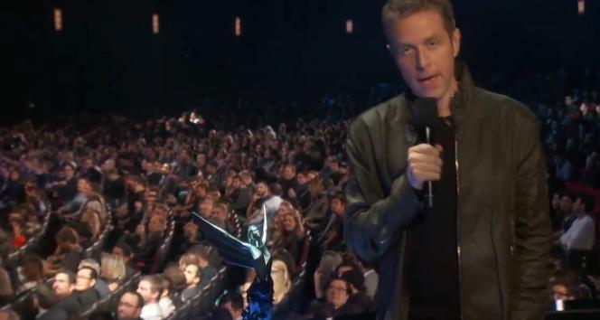 Geoff Keighley, présentateur des Game Awards 2015, a accusé Konami d'avoir interdit à Hideo Kojima de venir recevoir les prix décernés à son dernier jeu.