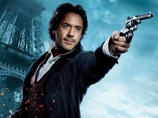 Dans le film de Guy Ritchie, Sherlock Holmes s'apparente à une sorte de super-héros.