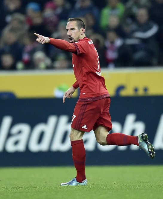 On y croyait plus. Pourtant, Franck Ribery, de retour de blessure, a trouvé les filets de  Moenchengladbach, samedi 5 décembre. Et a atténué la première défaite de son équipe (3-1) cette saison. Le Bayern reste néanmoins leader avec 40 points.
