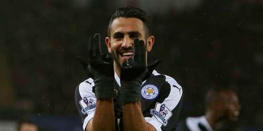 Le milieu offensif de Leicester Riyad Mahrez, le 5 décembre 2016 lors de la rencontre contre Swansea en Premier League.