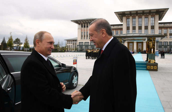 Recep Tayyip Erdogan et Vladimir Poutine à Ankara le 1 décembre 2014.