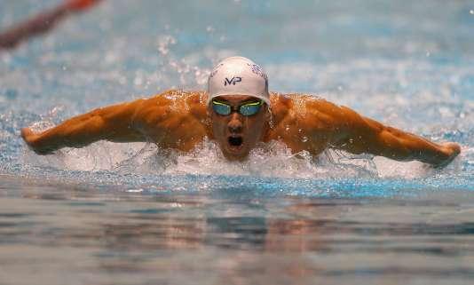 Michael Phelps lors de la finale du 200 mètres papillon, lors des Championnats d'hiver de natation des Etats-Unis, le 5 décembre.