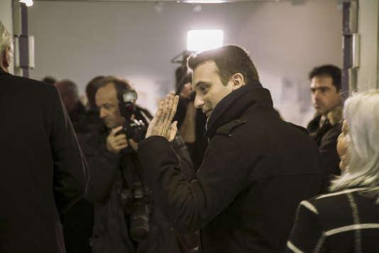 Florian Philippot, tête de liste du Front national vient voter au bureau de vote n° 4 de Forbach, au lycée Jean-Moulin, dimanche 6 décembre.