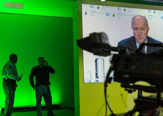 Conference de presse de Fabius a la COP 21, le 4 décembre.