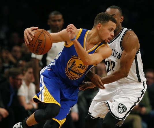 Stephen Curry, des Golden State Warriors, a participé à la campagne.