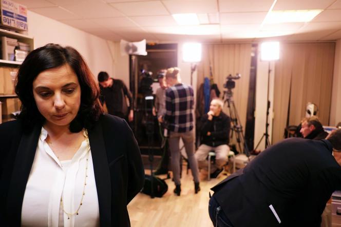 Emmanuelle Cosse à son QG de campagne, le 6 décembre.