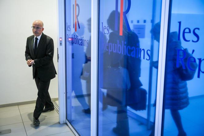 Eric Ciotti à la sortie d'une réunion du bureau politique du parti Les Républicains, à Paris, le 7 décembre.