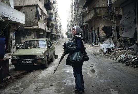 """Pour son documentaire """"Femmes rebelles de Syrie"""", Zaina Erhaim a filmé pendant dix-huit mois cinq habitantes engagées d'Alep."""