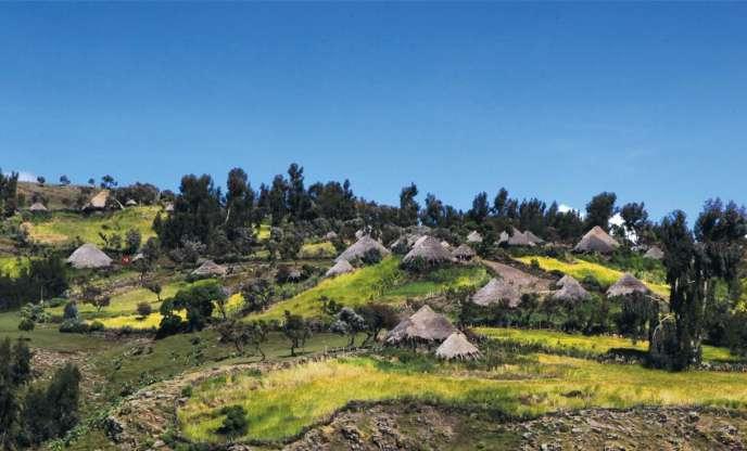 Le village de Gich, dans le parc national des Simien, en Ethiopie, compte environ mille habitants. Au nom de la sauvegarde de la biodiversité, la majorité de la population a été déplacée en 2015, et les derniers habitants ont jusqu'au mois d'avril 2016 pour quitter leur village.