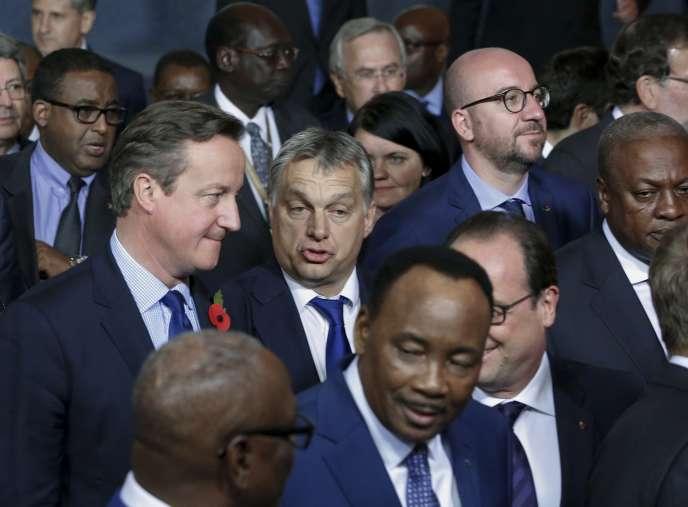 Le premier ministre hongrois, Viktor Orban (au centre), lors d'un sommet UE-Afrique, le 11novembre, à La Valette.