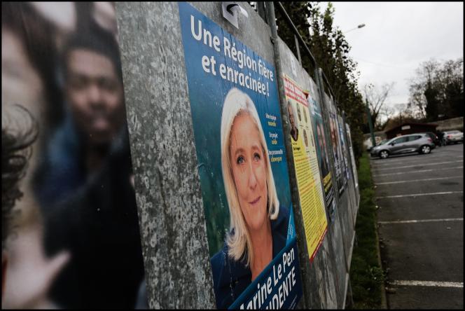 Affiche électorale de Marine Le Pen, pour le premier tour de les élections régionales à Hénin-Beaumont,  le 6 décembre.