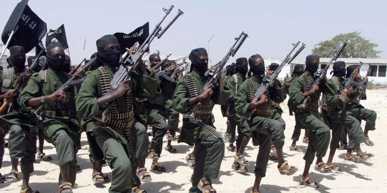 L'an dernier, des islamistes chabab avaient lancé une attaque à Noël contre l'aéroport de Mogadiscio qui avait fait au moins 12 morts.
