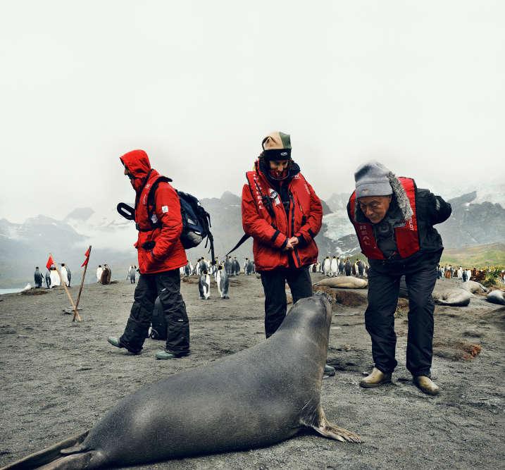 Michel Rocard  dans la baie de Saint-Andrews, en Georgie du Sud, une île près de l'Antarctique.