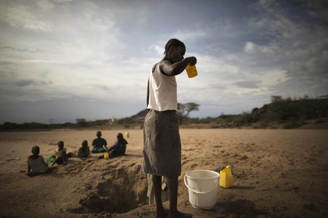Pendant la sécheresse dans la région de Turkana, en mars 2014.